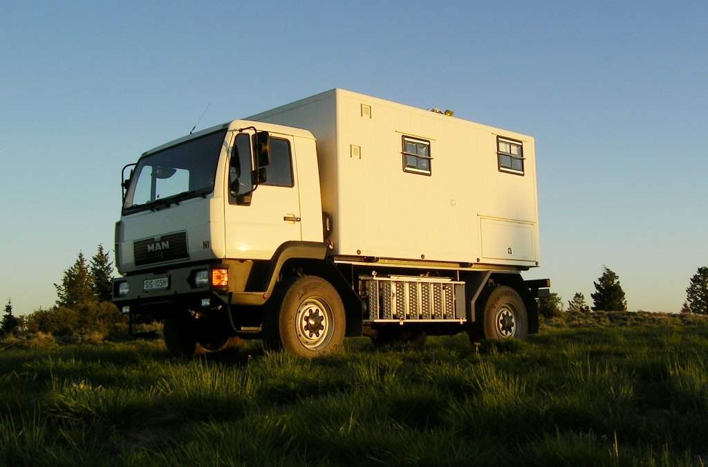 Expedition camper MAN 10.220 4×4 Truck – German registered – €99,000